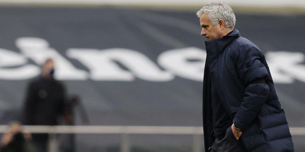 Resmi, Tottenham Pecat Jose Mourinho Dan Staff Pelatihnya